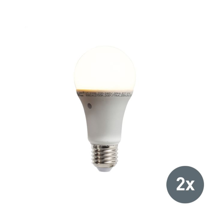 Sæt-med-2-LED-lamper-med-indbygget-lys-mørk-sensor-E27-9W-806-lumen-varm-hvid-2700K