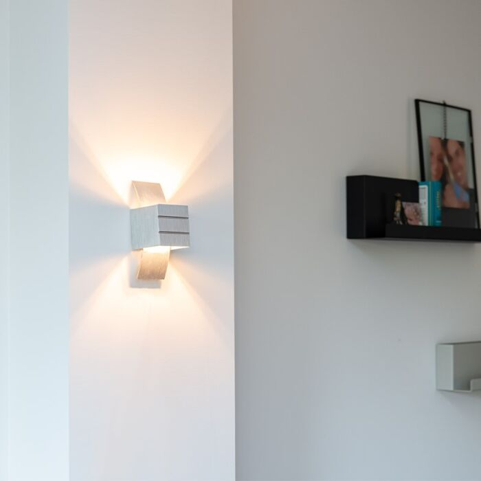 Moderne-væglampe-aluminium---Amy