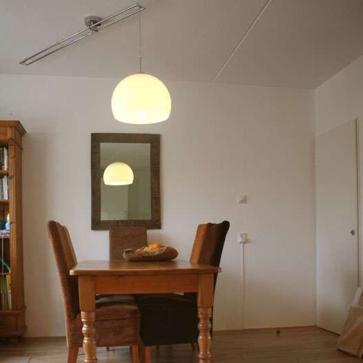Hængelampe-Decentra-Delux-krom-med-hvid-skærm