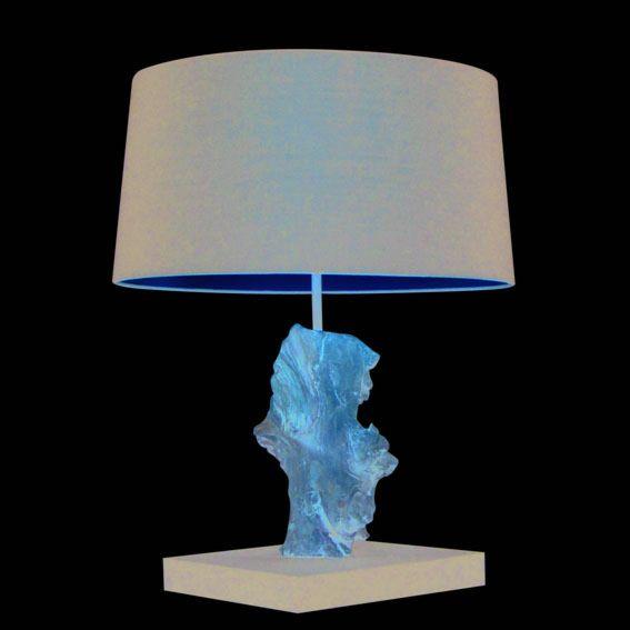 Bordlampe-Suchin-naturlig-med-sort-skygge